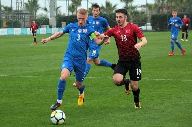 Dervişoğlu, Türkiye U19 Milli Takımı'nda da forma giydi.