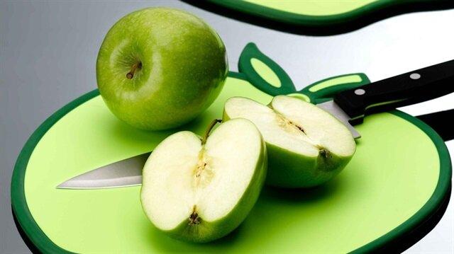 Meyve tüketirken çekirdeklerine dikkat edin. Siyanür bileşiği nedeniyle zehirleyici olabiliyor.
