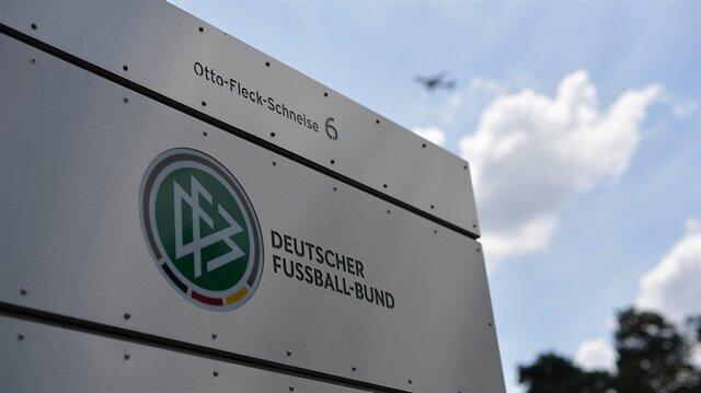 Germans criticize football chief over Mesut Özil fiasco