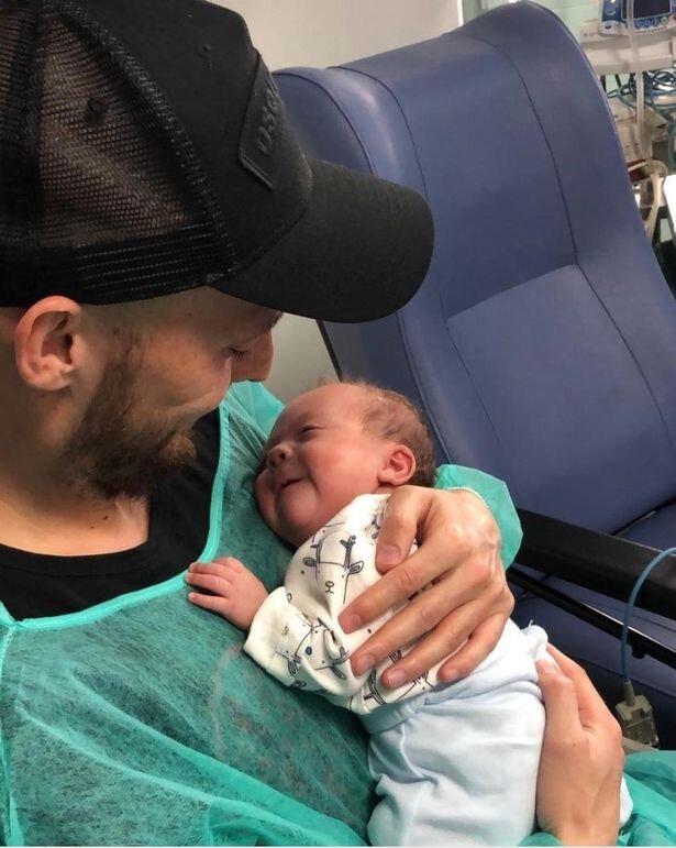 David Silva, sosyal medya hesabından oğluyla bu görseli paylaştı.