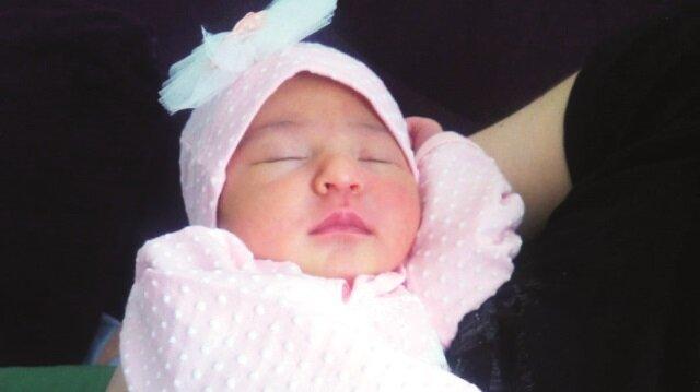 Yetkililer, küçük bebeğe nüfus cüzdanı verilemeyeceğini bildirdi.