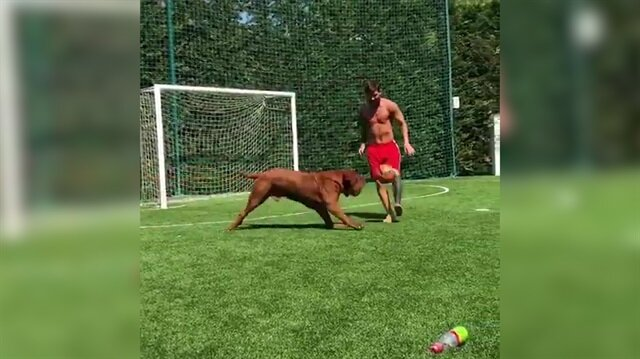 Messi köpeğini de çalım manyağı yaptı