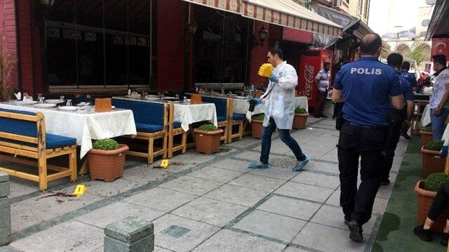 Motosiklet ile gürültü yapanları uyaran restoran çalışanına saldırı