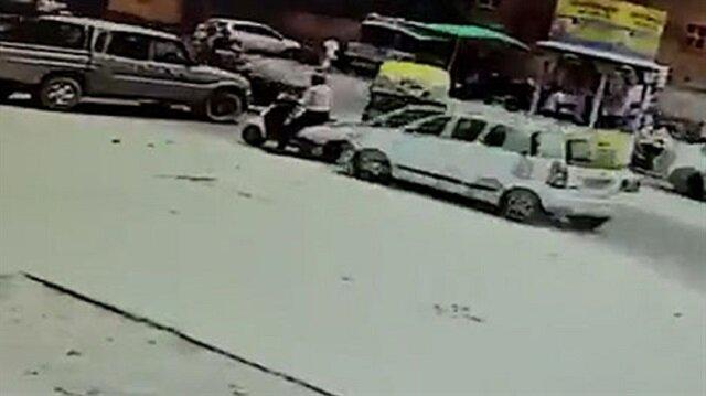 Motosiklet sürücüsü iki araç arasında ezildi