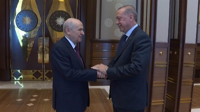 Başkan Erdoğan MHP Lideri Bahçeliyi böyle karşıladı