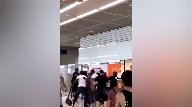 Ünlü rapçiler tekme tokat kavga etti