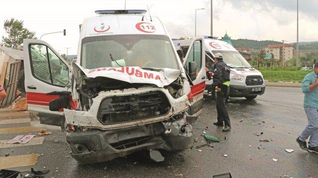 Yaralılar, olay yerinde yapılan ilk müdahalenin ardından ambulanslarla Bolu'daki çeşitli hastanelere kaldırılarak tedavi altına alındı