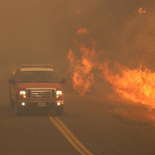 California'daki yangın büyüyor: 14 bin kişiye tahliye emri verildi