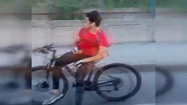 Bisikletle E-5 karayolundaki akılalmaz yolculuk kamerada