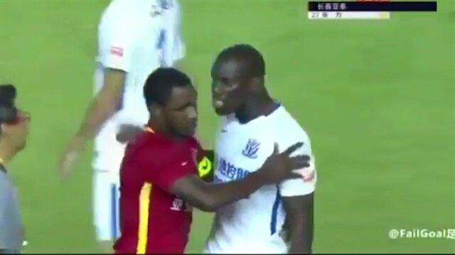 Irkçı saldırıya maruz kalan Demba Ba'yı tüm takım sakinleştiremedi
