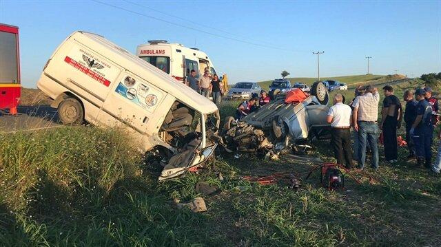 Edirne'deki trafik kazasında 3 kişi öldü 1 kişi yaralandı.