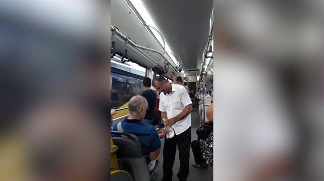 Yolcularını kolonya ile karşılayan  İETT şoförü