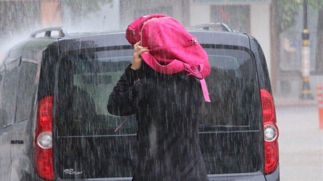 Meteorolojiden kuvvetli ve şiddetli yağış uyarısı yapıldı.