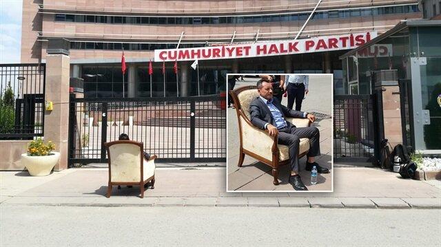 CHP önünde 'koltuk' eylemi