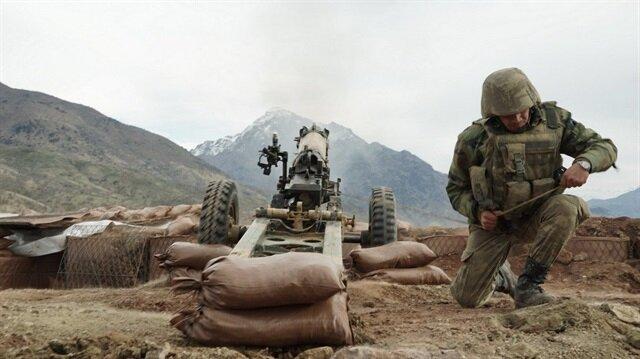 TSK, Van/Gürpınar ve Hakkâri/Yüksekova kırsalında icra edilen operasyonlarda 4 teröristin etkisiz hale getirildiğini açıkladı.