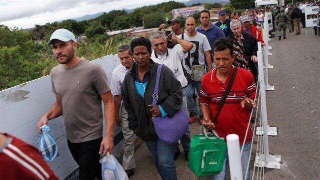 Son yıllarda yaklaşık 4 milyon Venezuelalının ülkesini terk ettiği ifade ediliyor.