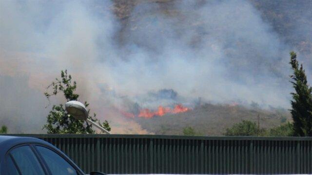 Tuzla Piyade Okulu'nun içindeki ağaçlık alanda yangın çıktı.