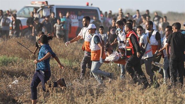 """""""Büyük Dönüş Yürüyüşü"""" etkinlikleri çerçevesindeki barışçıl gösterilerde 1 Filistinli şehit oldu."""
