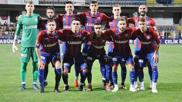 Karabükspor sahaya zorunlu olarak altyapı futbolcularıyla çıktı