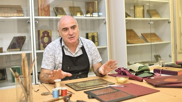 Cilt sanatçısı Gürcan Mavili, sorularımızı cevapladı.