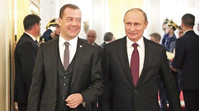 Rusya Başbakanı Dmitriy Medvedev, Rusya Devlet Başkanı Vladimir Putin