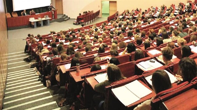 Türkiye genelindeki 61 üniversitenin 452 fakültesine dekan atanmadığının ortaya çıkması üzerine YÖK, üniversiteleri uyardı.