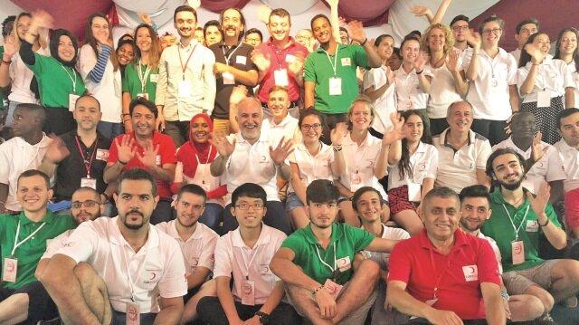 Türkiye'nin dört bir yanından binlerce öğrenciye kapılarını açan Kızılay Heybeliada Gençlik Kampı, dünya gençlerine ev sahipliği yapacak.