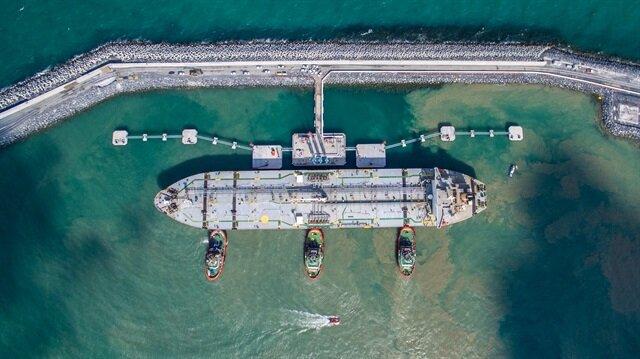 2 bin 250 adet araç ile yapılacak yakıt ikmali denizden tek seferde yapıldı.