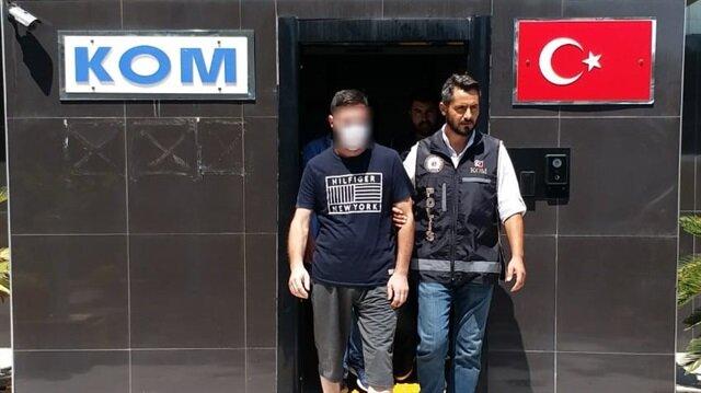 Sahte kimlikle böbrek nakli olan cinayet zanlısı polis ekiplerince Antalya'da yakalandı.