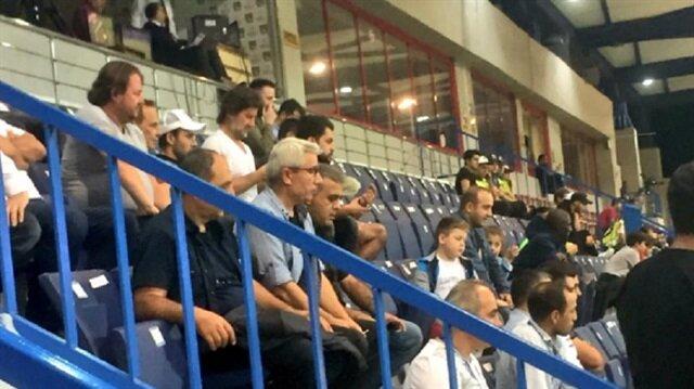 Volkan Şen, Adana Demirspor maçını tribünden izledi.