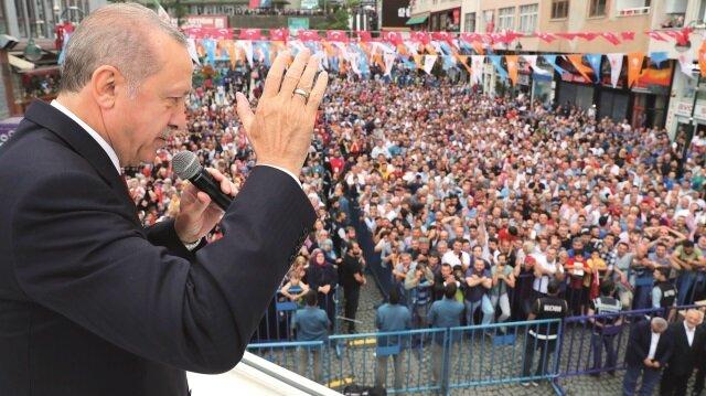 Başkan Erdoğan, düşmanca tavırlarıyla 60 yıllık dostluğu ve müttefikliği zehirleyen ABD ile gelinen yol ayrımını New York Times'a yazdığı makalede ortaya koydu