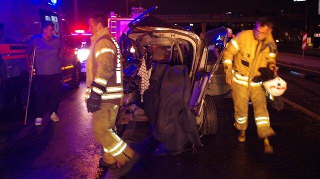 Maltepe'de bir otomobil 2 araca çarptı: 1 ölü 2 yaralı