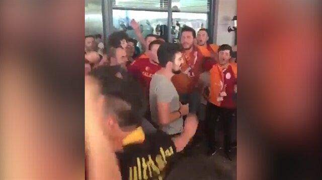 Polisi gaza getiren Galatasaray taraftarları
