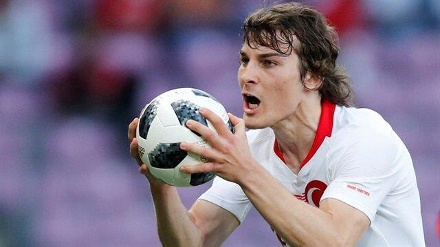 İki sezon boyuncu Bundesliga ekibi Freiburg'ta oynayan Çağlar Söyüncü, futbol kariyerini Leicester City'de sürdürecek.