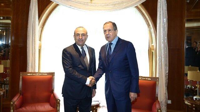 وزير الخارجية التركي يلتقي مع نظيره الروسي