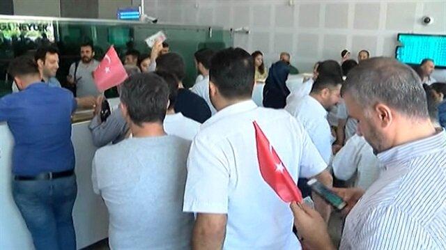 Suriyeliler de döviz bürolarına akın etti