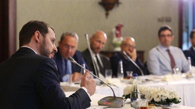 وزير الخزانة التركي يلتقي 1000 مستثمر أجنبي الخميس