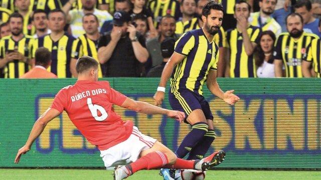 Sarı-lacivertliler, Portekiz'de 1-0 kaybettiği maçın rövanşında Kadıköy'de Benfica ile 1-1 berabere kalarak elendi