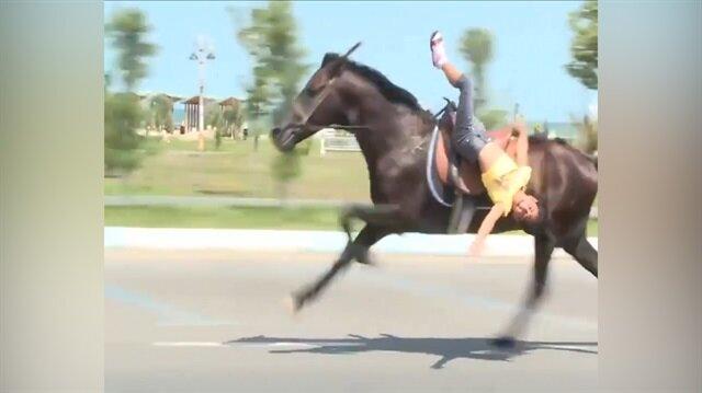 Azeri kızın at üstündeki muhteşem şovu