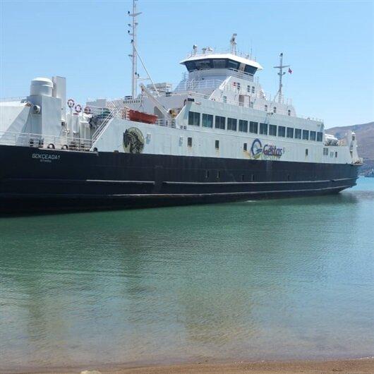 Gökçeada'da feribot karaya oturdu: Yolcular tahliye edildi