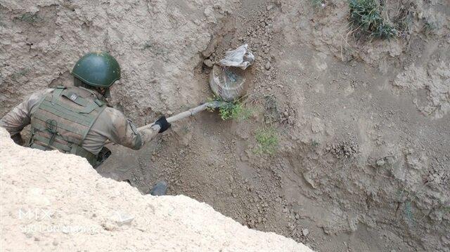 PKK'lı teröristlerin tuzağı, güvenlik güçlerince bozuldu.
