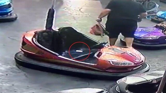 Gurbetçinin çarpışan arabada düşürdüğü cüzdanı çaldı