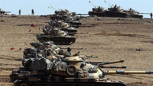 الجيش التركي يرسل تعزيزات عسكرية جديدة إلى الحدود السورية