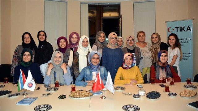 جامعيون أتراك يواصلون أنشطتهم التطوعية الثقافية في عدد من الدول