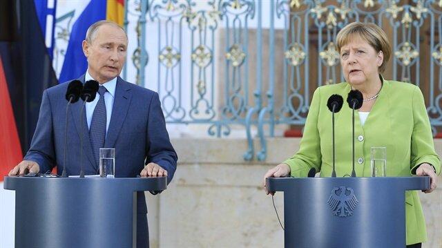Merkel: İdlib'i insani felaketten önlemeliyiz