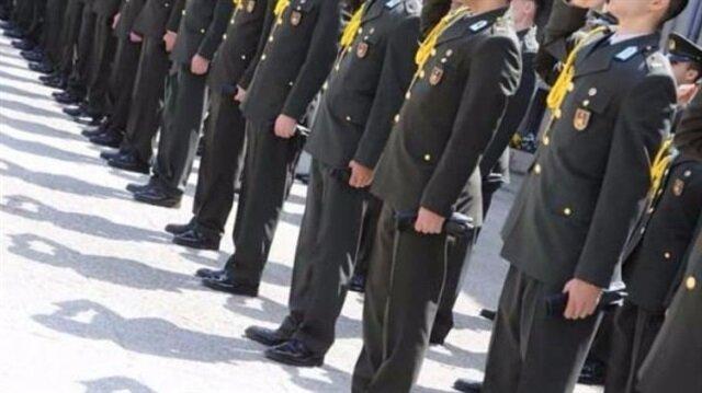 Kırşehir'in Kaman İlçe Jandarma Komutanı, FETÖ soruşturması kapsamında görevinden uzaklaştırıldı.