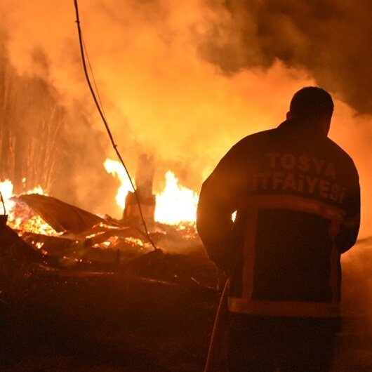 Kastamonu'da 8 ev tamamen yandı