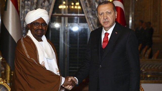 أردوغان يعزي البشير في ضحايا القارب