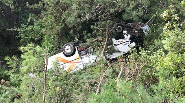 Yolcu minibüsünün şarampole devrilmesi sonucu 3 kişi öldü