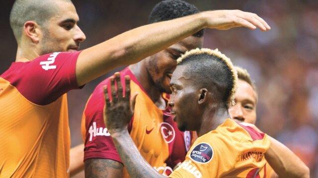 Galatasaray, ligin 2. haftasında ilk kez taraftarlarının karşısına çıktı.